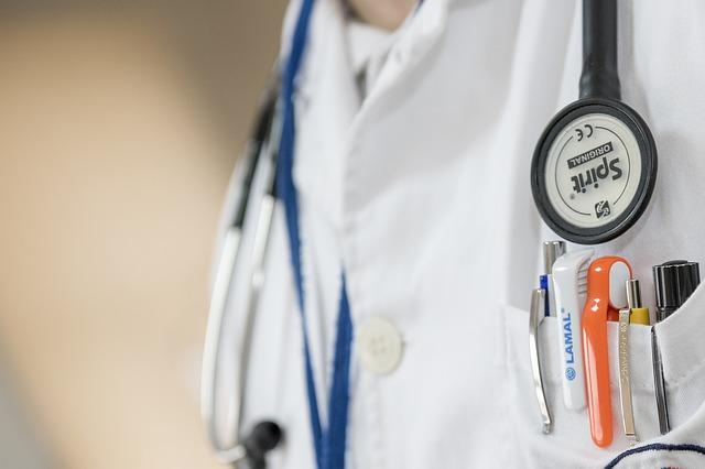 Covid-19 : report des visites et examens médicaux